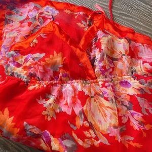 Dresses & Skirts - Brand new floral dress M